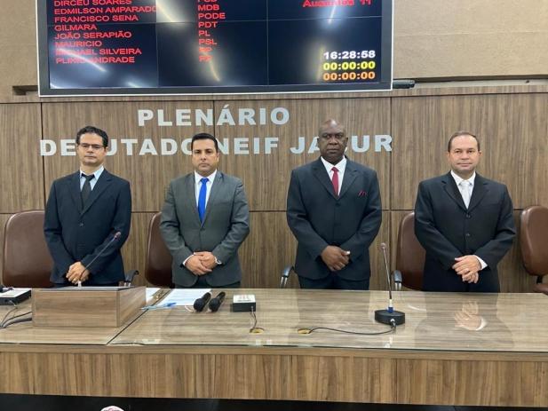 Instalada a 19ª Legislatura, Alex eleito presidente