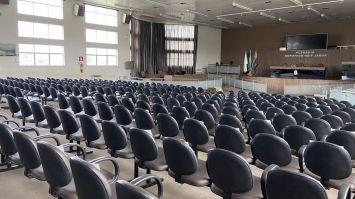 Posse dos vereadores vai acontecer às 14h