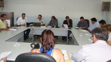 Comissão debate proposta orçamentária