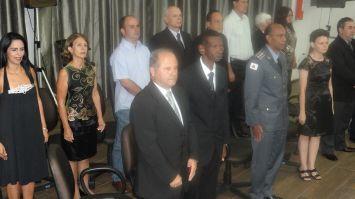 Doze  homenageados em reunião especial