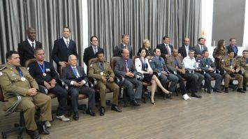 Doze são condecorados com a medalha do Guardião