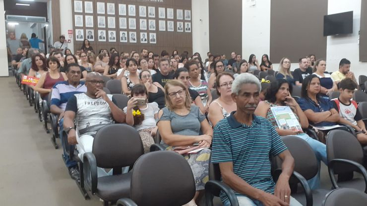 Impactos na Educação: Audiência reúne professores
