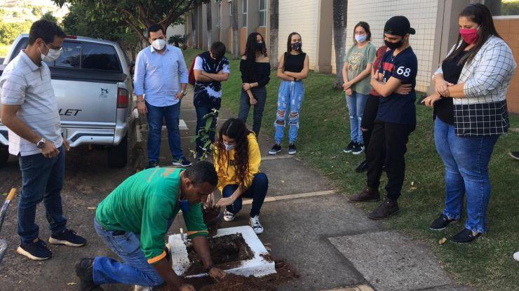 Parlamento Jovem tem ação ambiental